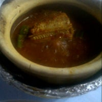 Photo taken at Asam Pedas Claypot, Jalan Salleh, Muar by Mr A. on 9/9/2012