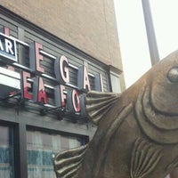 Photo taken at Legal Sea Foods by Heather F. on 2/27/2012