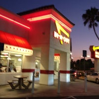 Photo taken at In-N-Out Burger by David G. on 6/20/2012