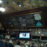 Photo taken at Flying Saucer Draught Emporium by Andres E. on 4/3/2012