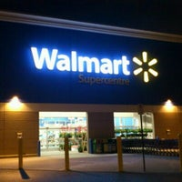 Photo taken at Walmart Supercentre by Bonnie E. on 11/21/2011