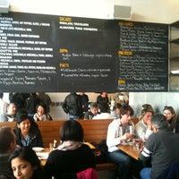 Photo taken at Pizzeria Delfina by Eun-Gyu K. on 2/20/2011