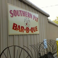 Photo taken at Southern Pit Bar-B-Que by Robert B. on 6/15/2012