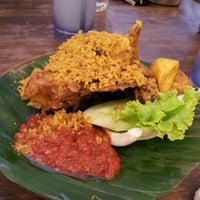 Photo taken at Ayam Penyet Ria by Sid T. on 6/14/2012