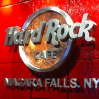 Photo taken at Hard Rock Cafe Niagara Falls USA by Ebru A. on 8/20/2012