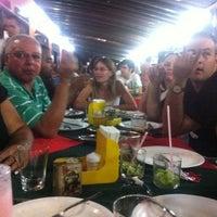 Photo taken at Pizzaria Guarani by Isaias O. on 3/4/2012