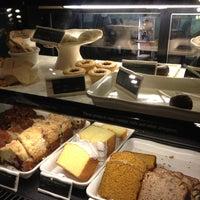 Photo taken at Starbucks by Mario on 7/15/2012