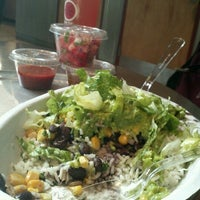 Photo taken at Chipotle Mexican Grill by Michellé R. on 8/31/2012