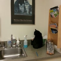 Photo taken at Southkent Veterinary Hospitals by Dïck on 7/23/2012