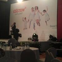 Photo taken at Grand Mutiara Ballroom Ritz Carlton by HAIDY D. on 6/23/2012