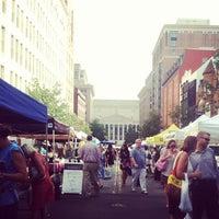 Photo taken at Penn Quarter FRESHFARM Market by Alexi F. on 7/26/2012