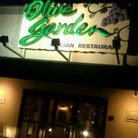 Photo taken at Olive Garden by Amy A. on 6/27/2012