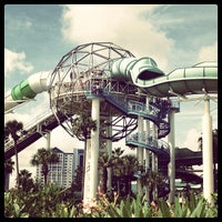 Photo taken at Wet 'N Wild by Stephen . on 8/12/2012