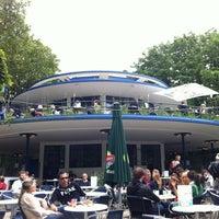 Photo taken at 't Blauwe Theehuis by Johan J. on 7/21/2012