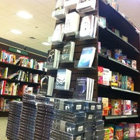 Photo taken at Barnes & Noble by Han on 9/8/2012