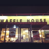 Photo taken at Waffle House by Yomand on 7/21/2012