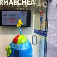 Photo taken at Lotería Ormaechea by Sergio E. on 6/6/2012