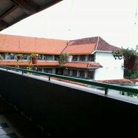 Photo taken at SMKN 8 Jakarta by Ardhia N. on 3/20/2012