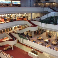 Photo taken at Toronto Public Library - Toronto Reference Library by Torben I. on 7/25/2012