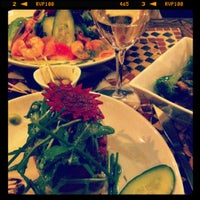 Photo taken at Raconte-Moi des Salades by F . on 4/14/2012