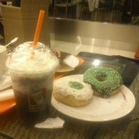 Photo taken at Dunkin' Donuts by Yudhistira R. on 6/27/2012