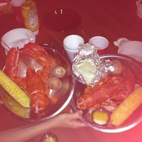 Photo taken at Duffy's Tavern & Restaurant by Brian S. on 7/7/2012
