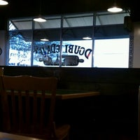 Photo taken at DoubleDave's Pizzaworks by Robert E. on 3/22/2012