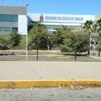 Photo taken at Unidad de Servicios Estatales (USE) Culiacán by Rubén Darío R. on 4/6/2012