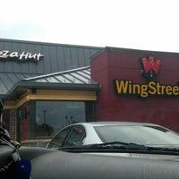 Photo taken at Pizza Hut by LaMont'e B. on 8/25/2012