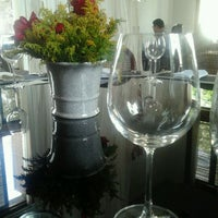 Photo taken at Mahalo Cozinha Criativa by Gabi M. on 3/23/2012