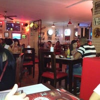 Photo taken at Mister Wings by Naty Q. on 6/10/2012