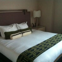 Photo taken at Kimpton Hotel Palomar Philadelphia by Errol M. on 4/2/2012