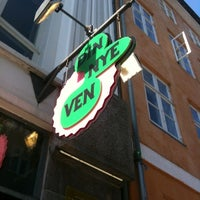 Photo taken at Din Nye Ven by Cav B. on 5/23/2012