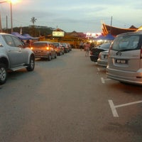 Photo taken at Senibong Village Seafood by Nazri M. on 7/18/2012