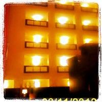Photo taken at Hilton Garden Inn Austin Downtown/Convention Center by Tinu A. on 3/12/2012