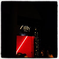 Photo taken at Zilly Pera by M. Gökhan M. on 5/19/2012