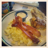 Photo taken at Corner Bakery Cafe by Alex R. on 8/3/2012