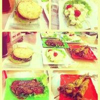 Photo taken at VietMac Riceburger by 🏫🌟Tùng Juynky🌟🏫 on 3/21/2012