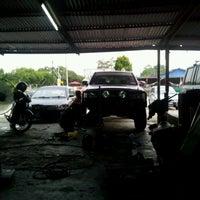 Photo taken at Bengkel Bahar by Mohd Roslee J. on 5/2/2012