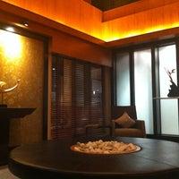 Photo taken at Rose Hotel Bangkok by Nùm P. on 8/9/2012