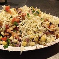 Photo taken at Chipotle Mexican Grill by EnriKe K. on 4/10/2012