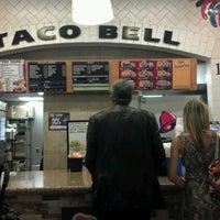Photo taken at Taco Bell by Keni M. on 8/10/2012