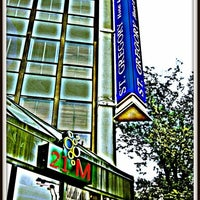 Photo taken at M Street Bar & Grill by Gerardo M. on 5/24/2012