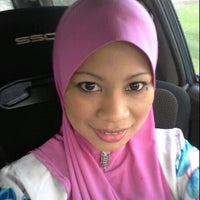 Photo taken at Blok makmal penyelidikan dan kemajuan pertanian malaysia by adzyenn r. on 4/20/2012