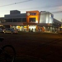 Photo taken at Super Líder Supermercados by Rafael S. on 6/28/2012