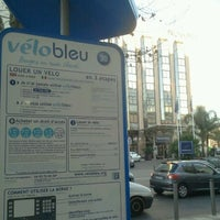 Photo taken at Vélo Bleu (Station No. 30) by Iarla B. on 2/16/2012