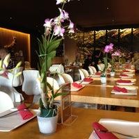 Photo taken at Osha Thai Restaurant by Manasee D. on 9/10/2012