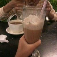 Photo taken at BO Burger by Syifa M. on 7/1/2012