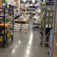 Photo taken at Lowe's Home Improvement by Alberto E. on 5/4/2012