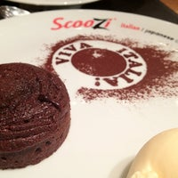 Photo taken at Scoozi by Hani A. on 8/21/2012